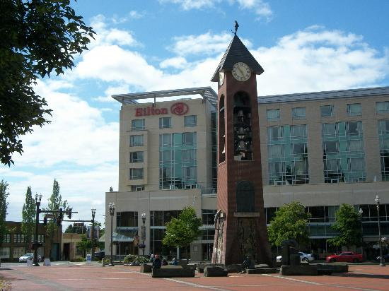 Hilton Vancouver Washington: A view from Esther Short Park