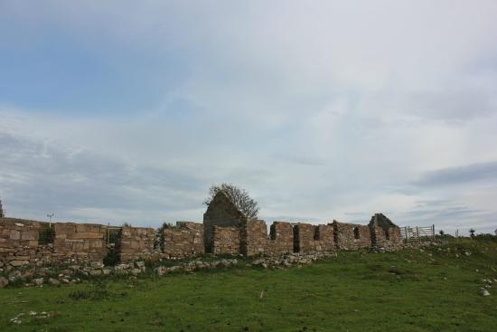 Tigh na mara: ruined cottages in Lonbain