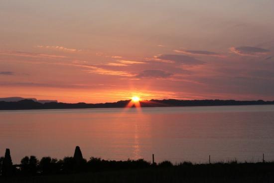 Tigh na mara: Stunning sunset