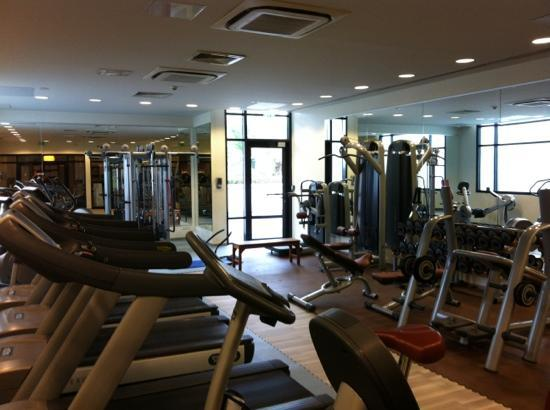 Novotel Roissy CDG Convention & Spa: salle de fitness