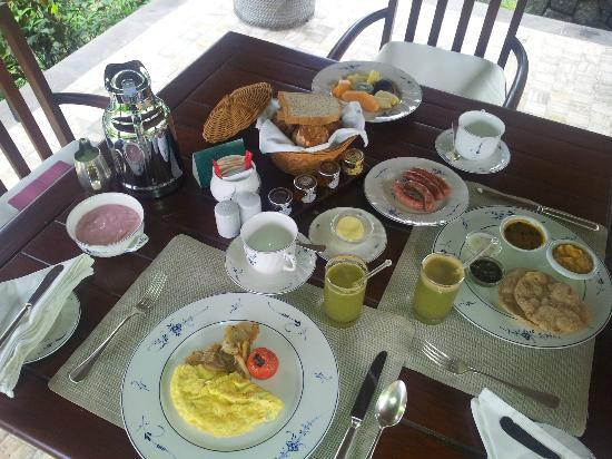 The Oberoi, Mauritius: Breakfast time..what a treat!