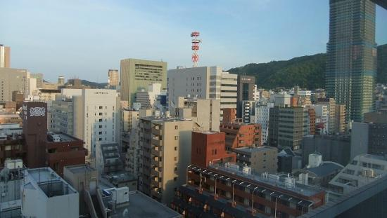 Kobe Sannomiya Union Hotel: 部屋から三宮方面