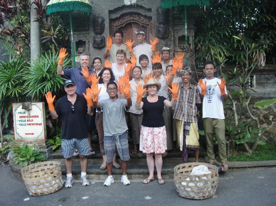 Villa Awang Awang: Team Awang Awang