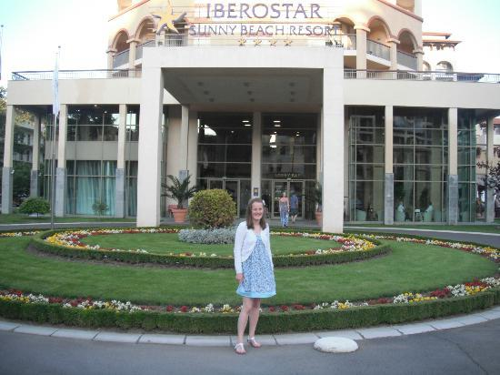 Iberostar Sunny Beach Resort: Me at the front of the hotel