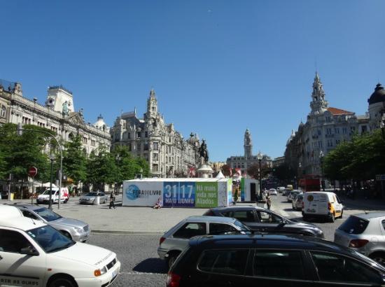 InterContinental Porto - Palacio das Cardosas: View from front entrance - lots of traffic