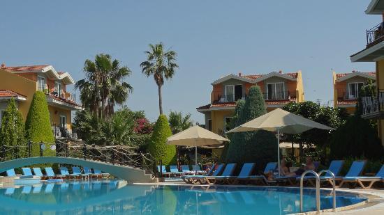 Club Alla Turca: pool 2