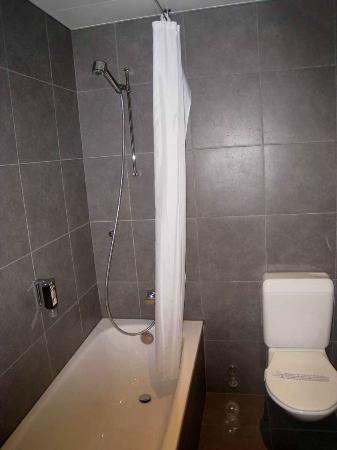 Hotel Mon-Repos : Bathroom