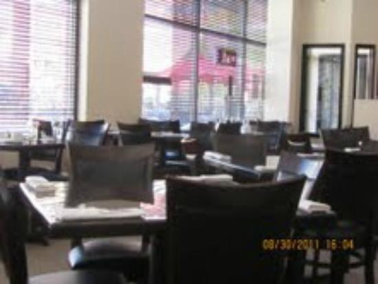 Faang Sushi and Thai Restaurant: nice dining area