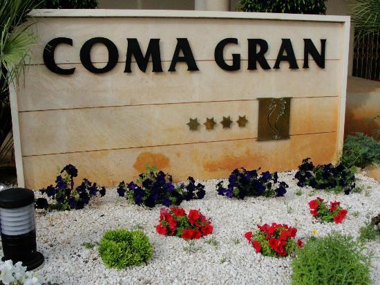 Hipotels Coma Gran Aparthotel: Entrance