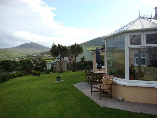 De Mordha Bed and Breakfast: Garden, rear view and winter garden