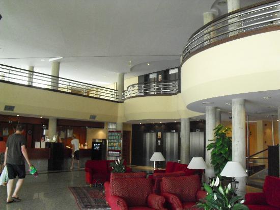 Hipotels Coma Gran Aparthotel: Reception Area
