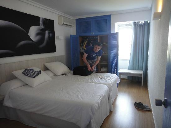 My Tivoli Ibiza Apartments: Twin Bedroom