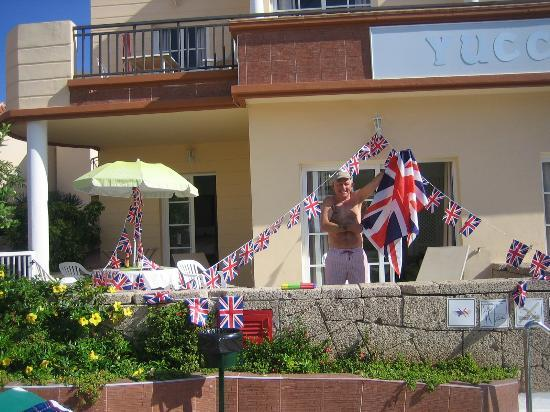 Playa de Fañabé, España: This was the apartment we were staying in we celibrated the Queens Jubilee while we were on holi