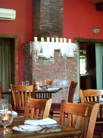 Peekamoose Restaurant: Candles on the fireplace