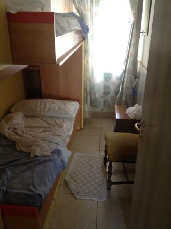 Hotel Capri : postribolo