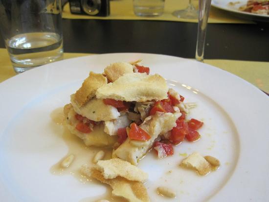 Vinarium: The dish with white fish, pines and foccacia