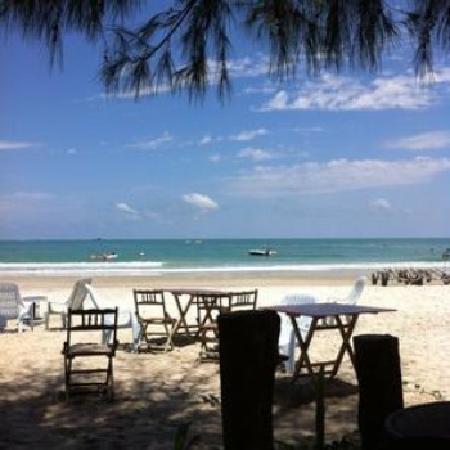 Rafii's Beach Cafe: getlstd_property_photo
