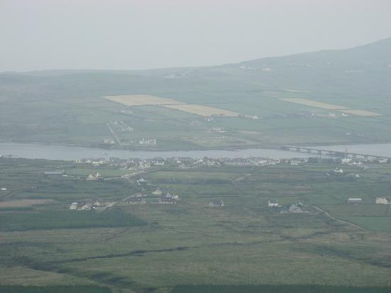 Portmagee Heights: Portmagee. B&B amongst last houses on left