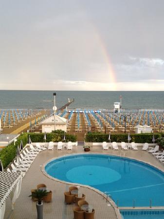 Hotel Delle Mimose: vista hotel, piscina
