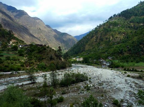 Great Himalayan National Park: Tirthan Valley in the Buffer zone of the park