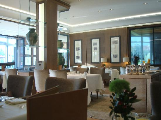 Althoff Seehotel Üeberfahrt: Breakfast restaurant