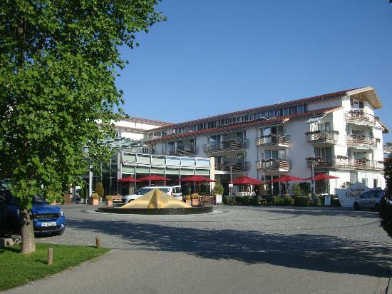 Althoff Seehotel Üeberfahrt: Hotel exterior