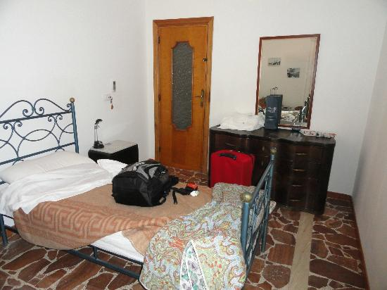 Calciufetta Bed & Breakfast: our room