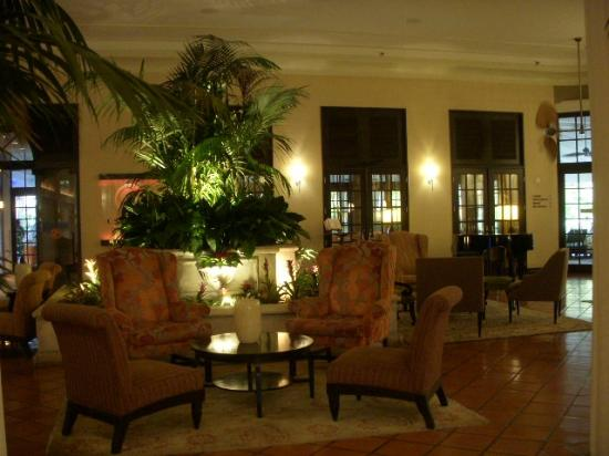 The Palms Hotel & Spa: public area