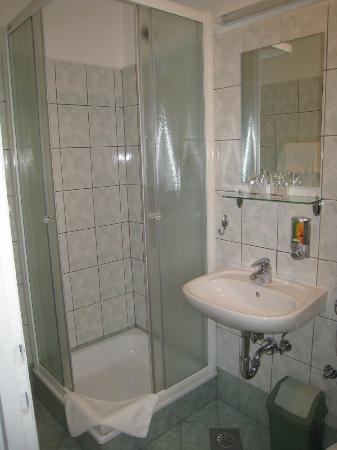 Hotel Park - Urban&Green: bathroom
