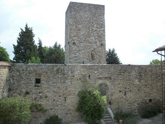Castello di Petroia: panorama da una delle finestre della camera