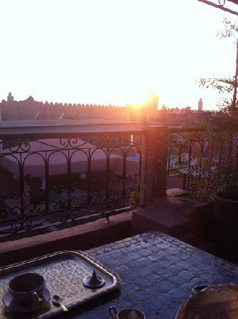 Dar Loula: view of tge sun setting from the roof terrace...