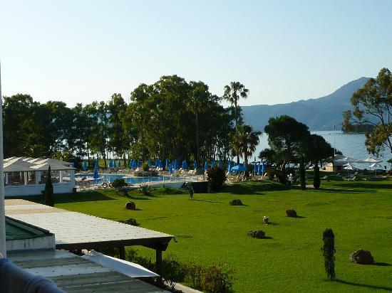 TUI FAMILY LIFE Kerkyra Golf: Pool view from room