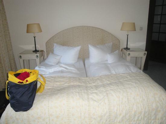 Relexa Schlosshotel Cecilienhof: pokój hotelowy