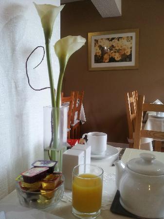 Castlecroft: Breakfast room