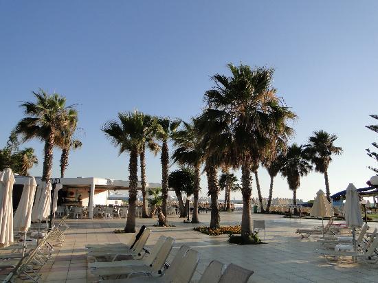 Louis Phaethon Beach : côté piscines