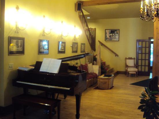 Inn at Union Pier: Great Room
