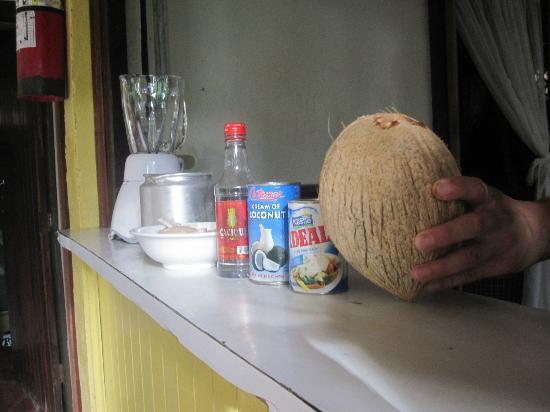 Cabinas Tortuguero: Cocktail de Coco???