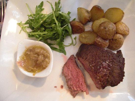Le Chemise: Chateaubriand, cooked medium rare,little new roasted potatoes, onion chutney and rocket