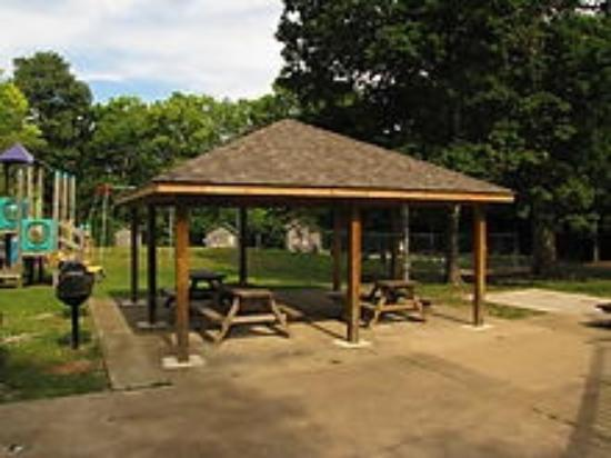 Crystal Rock Campground : Pavilion and grills with community fire pit