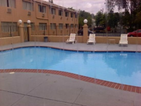Howard Johnson Pikesville: hotel pool - june 17 - 2012