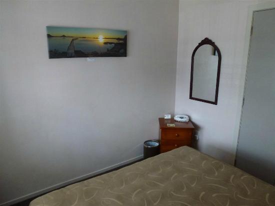 Settlers Motel: Habitación
