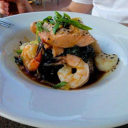 Mitchell's Fish Market Seafood: Shang Hai Seafood Sampler