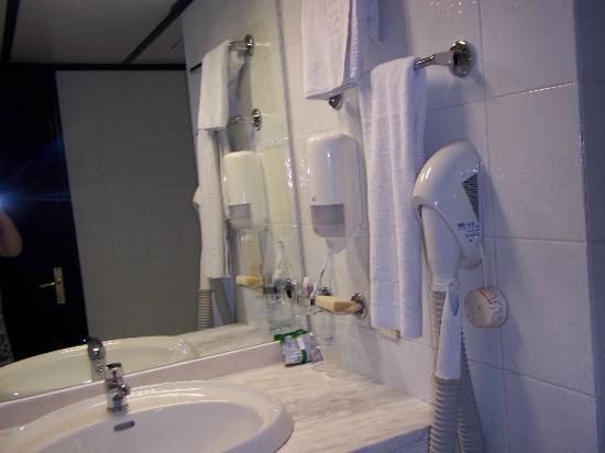 Dessole Lippia Golf Resort : daily clean towels,