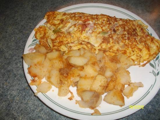 DJ's Rustic Restaurant: Garbage Omelette