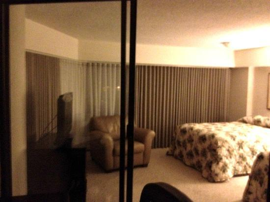 Aston at the Executive Centre Hotel: bedroom