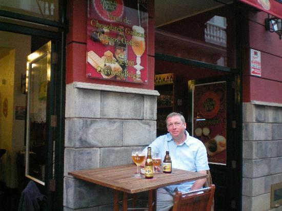 La Maison Belge: Quaffing Chouffre outside Maison Belge