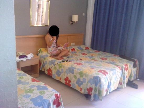Hotel Bon Repos: habitación triple
