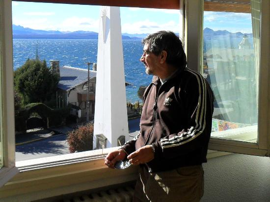 Hotel Islas Malvinas : en la habitacion con vista al lago
