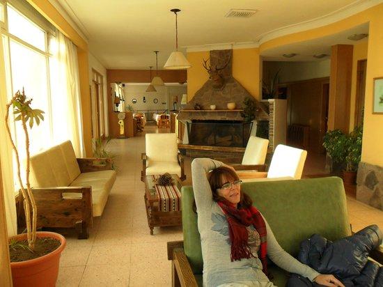 Hotel Islas Malvinas : en el lobing