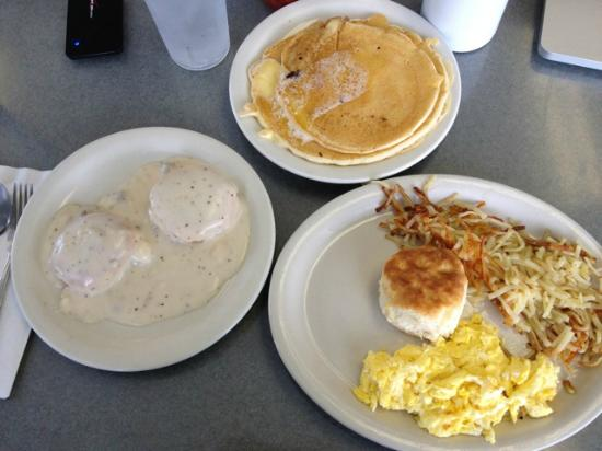 West Jefferson, Carolina del Norte: Not a bad breakfast for the money!